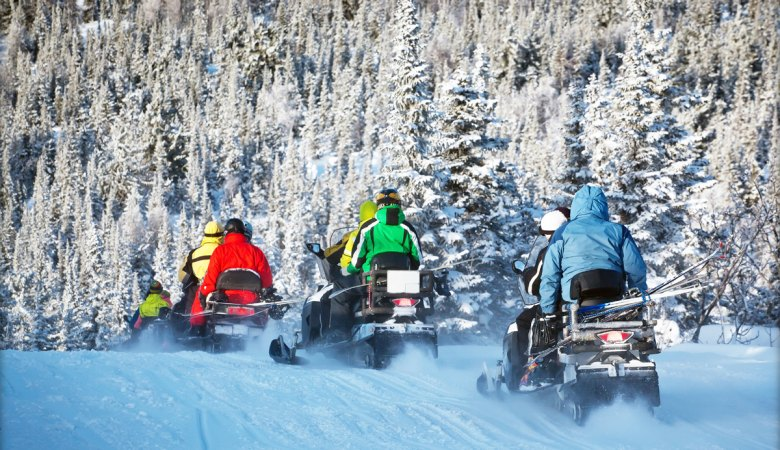 Snowmobiling <span>with professional instructors </span> - 1 - Zakopane Tours
