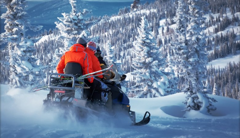 Snowmobiling <span>with professional instructors </span> - 2 - Zakopane Tours