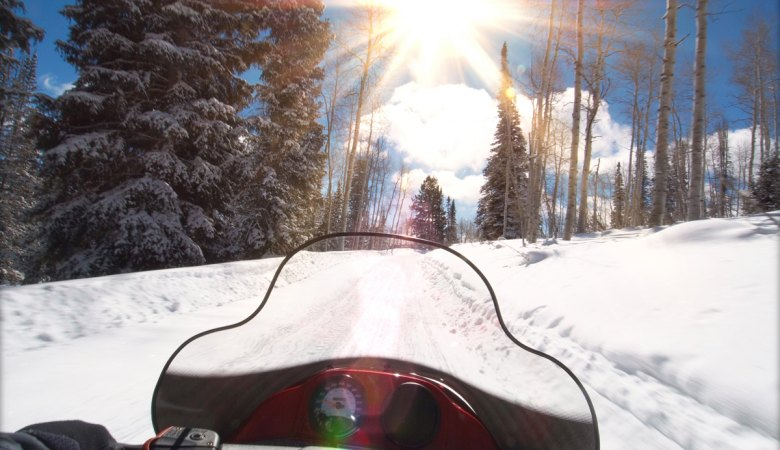Snowmobiling <span>with professional instructors </span> - 5 - Zakopane Tours